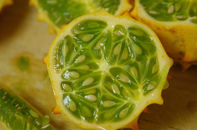 how to cut up star fruit