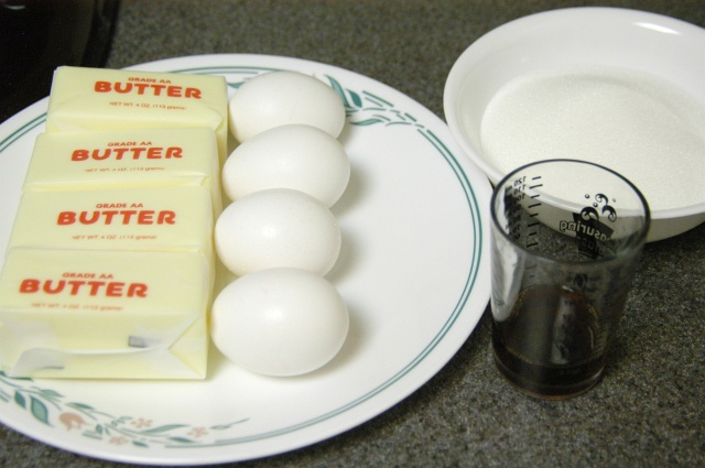 Egg White Cake Icing Recipes: Buttercream Frosting (American)